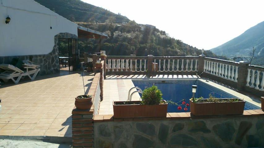 Casa de campo con piscina,bbq... - Nerja - Huis