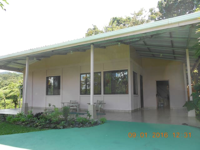 Two Bed, One Bath House Costa Rica - Tronadora - บ้าน