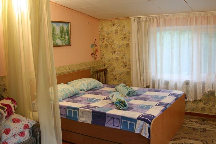 Простое и не дорогое жилье 500м от моря - Sanatoriya Chernomorye - Dom