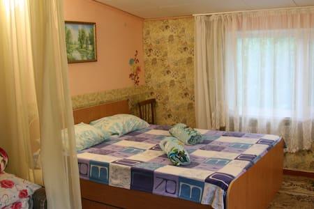 Простое и не дорогое жилье 500м от моря - Sanatoriya Chernomorye