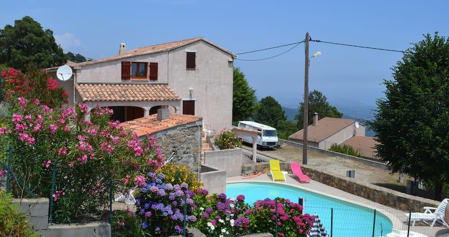 Agréable Villa avec piscine &vue sur la mer