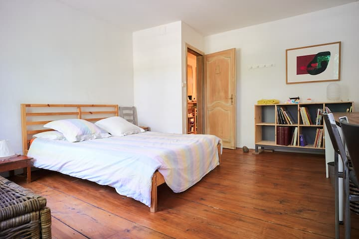 Room 1/2 for «de luxe» backpackers at the Krutenau