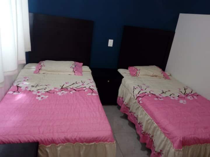 Bonita Habitación para 2 personas cerca UASLP