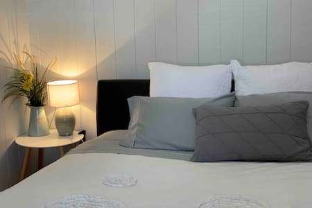 Room 1. King size bed and en-suite