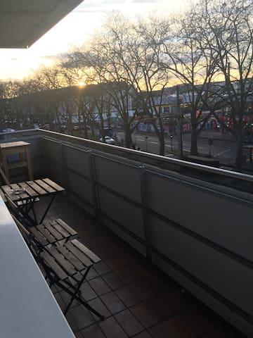 Schlafplatz mit Balkonzugang - Köln
