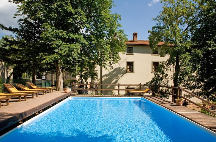 ANCIENT VILLA up to 30 guests exclusiv pool