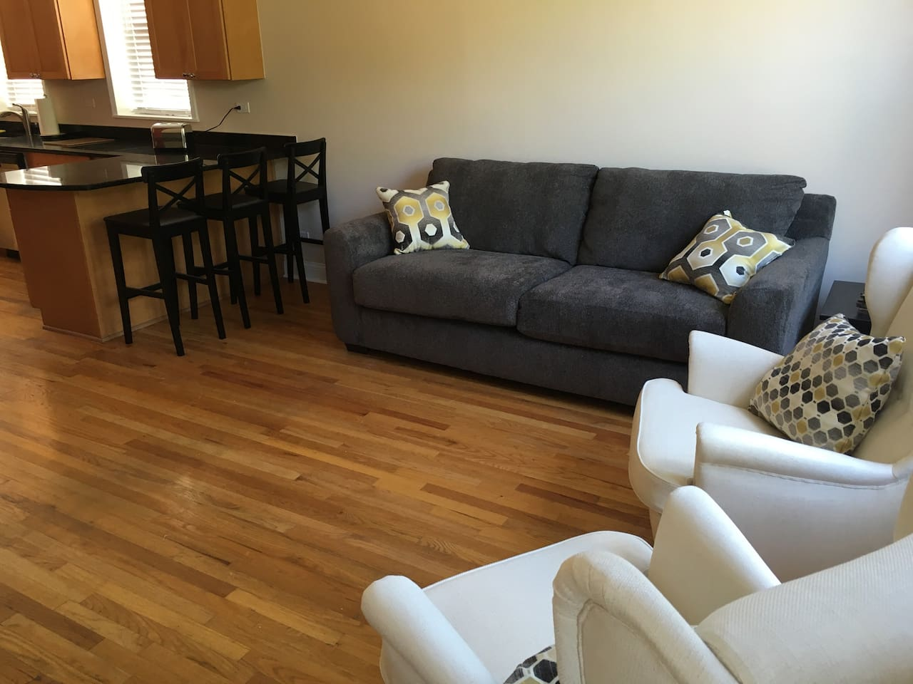 Spacious living room with wide screen TV, Netflix and Wifi internet