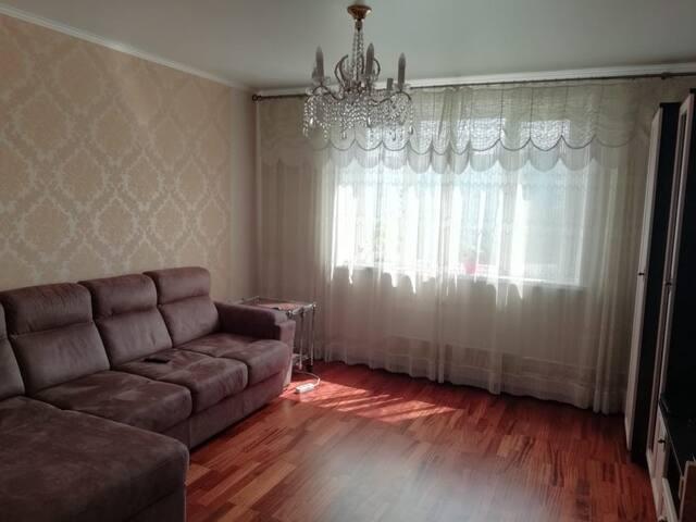 Солнечная и очаровательная комната