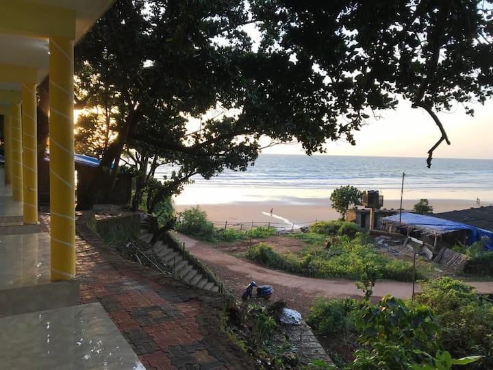 Just Gokarna (La Mer 4)  Beach Facing AC room