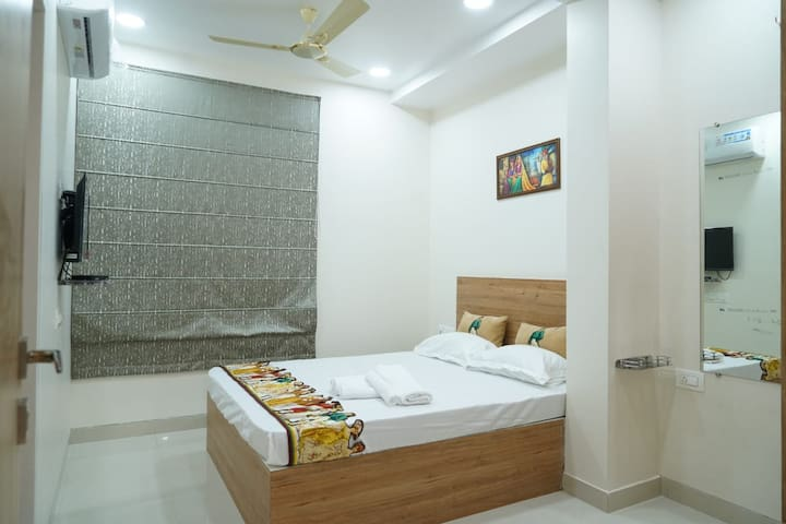 Economical Stay Banjara Hills Hyderabad