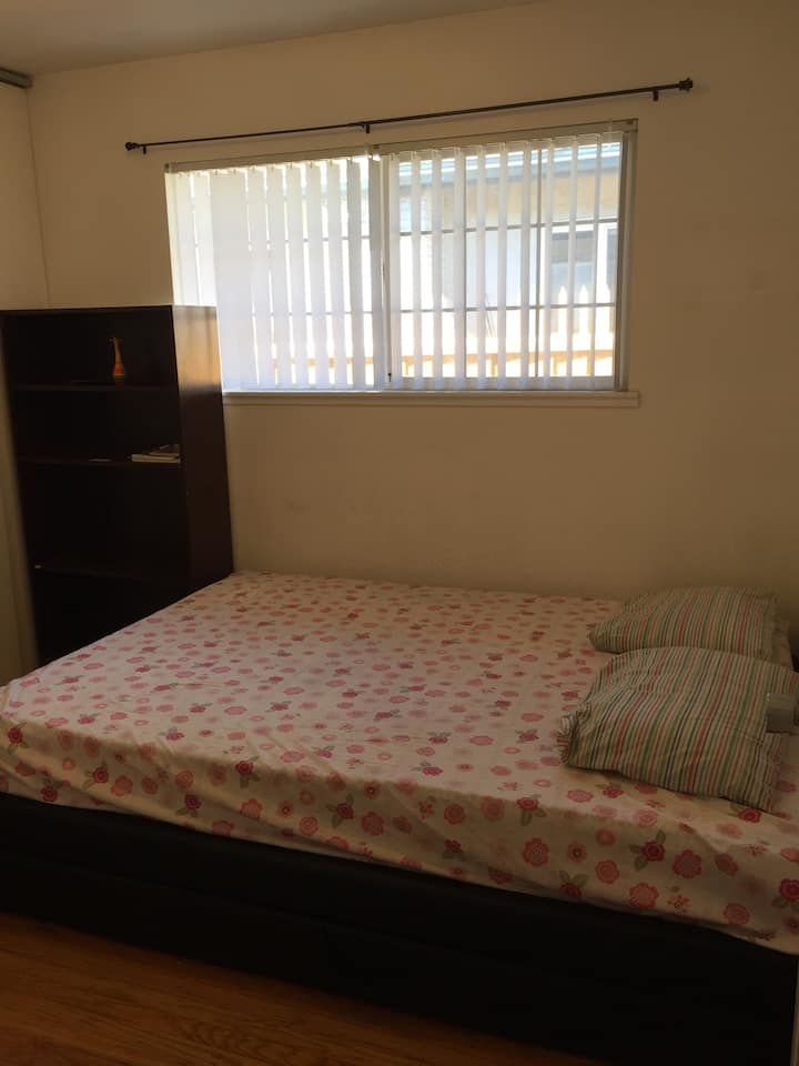 Single room in serene place near to Great Mall