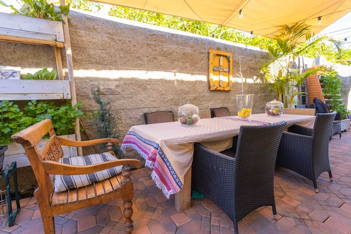 Charming Home w/Gorgeous Garden + Outdoor Dining