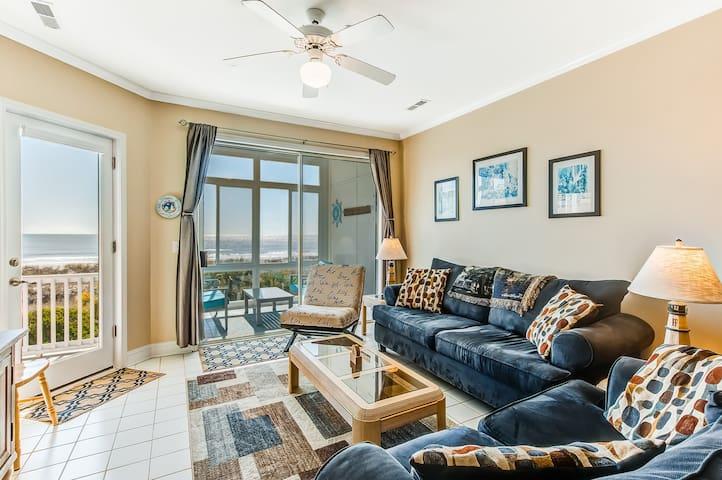 First floor corner villa, unobstructed ocean views sunroom private balcony