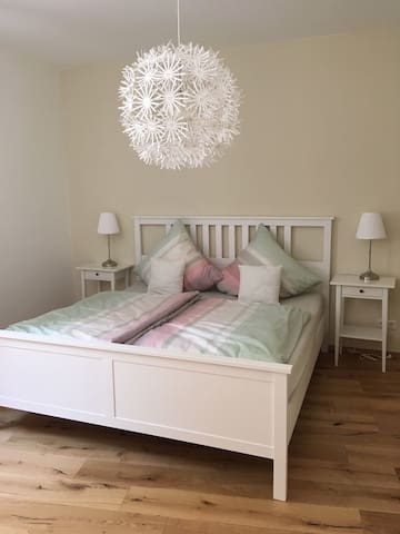 1 Bett, zwei getrennte Matratzen