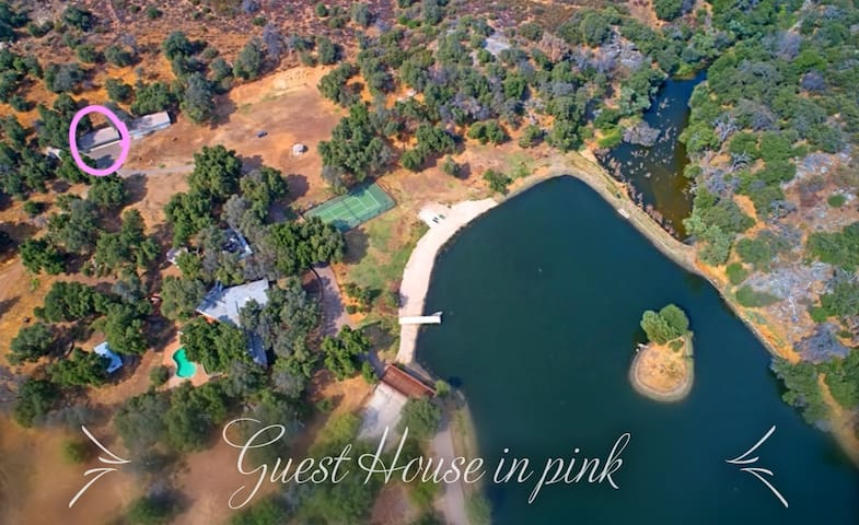 Private Lake with fishing/Tennis court near Julian
