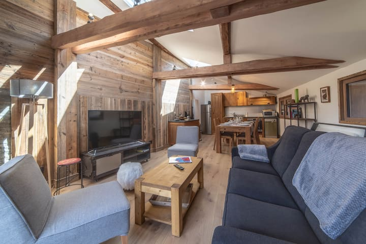Kashmir | Beautiful New Chalet | in Le Praz Center | 250m from the cabin