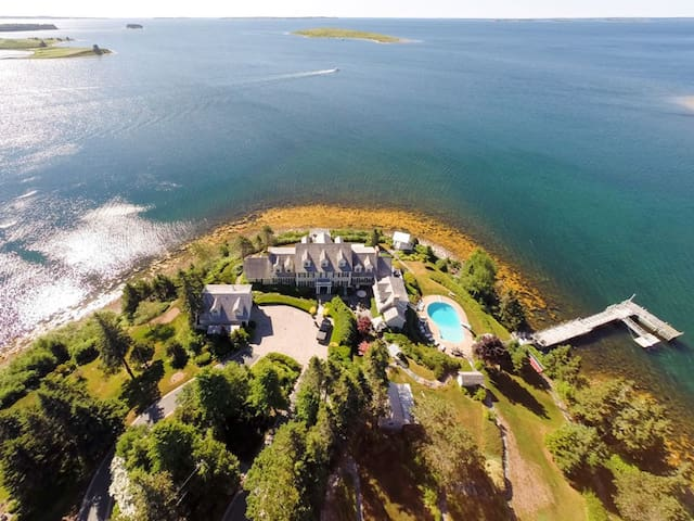 Perch Perfect - Chester Oceanfront Estate - Chester - House