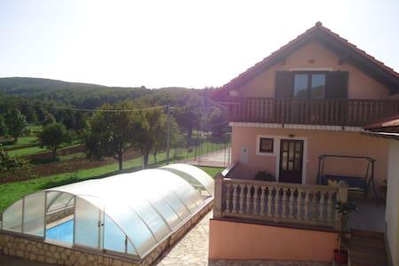 Holiday house Nada(Pool,Tenis,Gym) - Senj