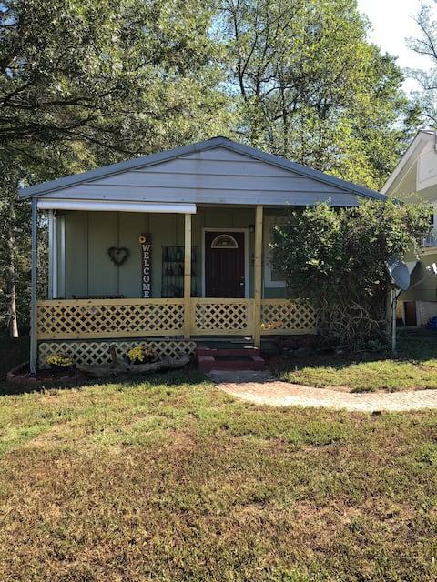 La maison de campagne de Mel. La vie à la campagne près de la ville.