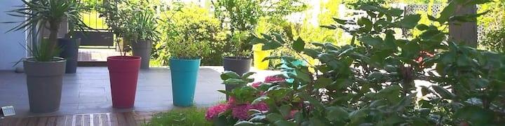 Le jardin d'Andhalie, appartement en rez de jardin