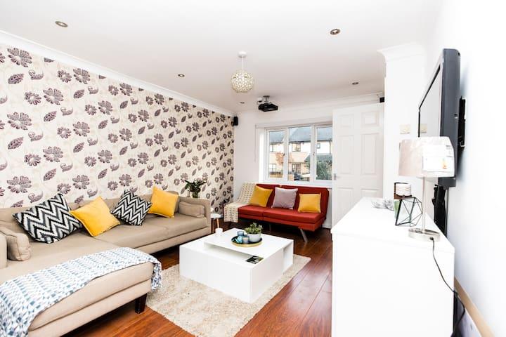 Elegant Stylish home - Excel, O2, LCY, London!