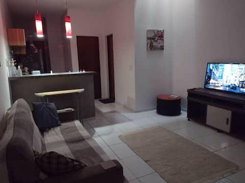 Casa Agradável em Fortaleza, churrasqueira, estacionamento, ótima para curtir uns dias em Fortaleza com tranquilidade ! Perto de praias e Shoppings 😎
