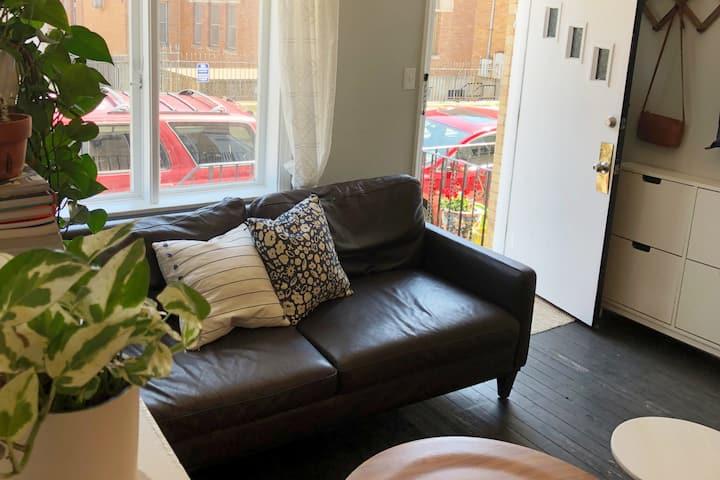 2br 2.5ba Charming Modern Row House, BEST Location
