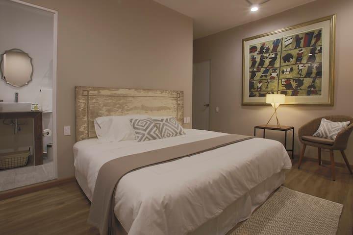 Fantástica habitación nueva en la Condesa, Arévalo