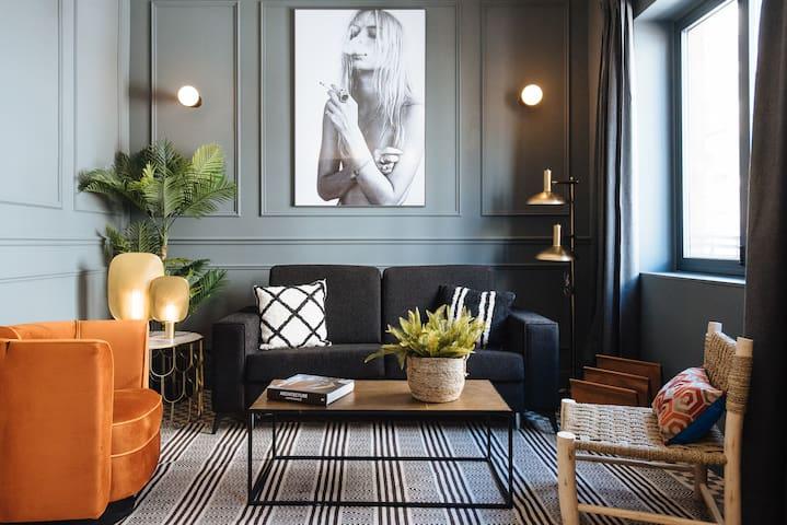 OLIVO · OMM SUITES SEVILLA, OLIVO Luxury Apartment/ 4Paxs