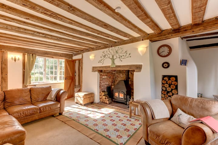 Cocketts - an historic, peaceful, country cottage