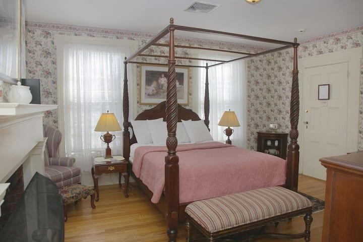 Florence Marie Room - Hudson Valley B&B