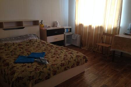 Big room in Perlovka Guest House near Moscow - Mytishchi - Bed & Breakfast