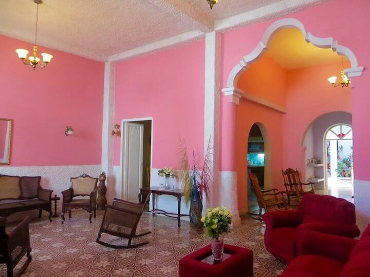 Casa Naranja Rm1: Colonial, Central