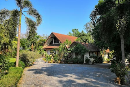 Luxurious Villa in Suphan Buri