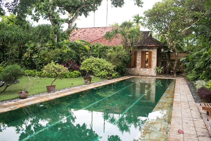 Private Wing in Traditional Sanur Home - Denpasar  - Casa
