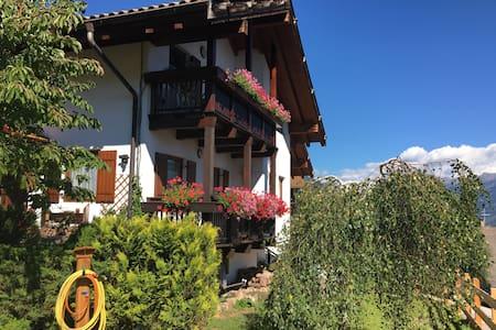 Mansarda soleggiata e panoramica in Val di Fiemme - Carano