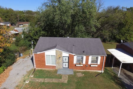 16 min from downtown Nashville! 2 bedrooms 4 U! - Nashville