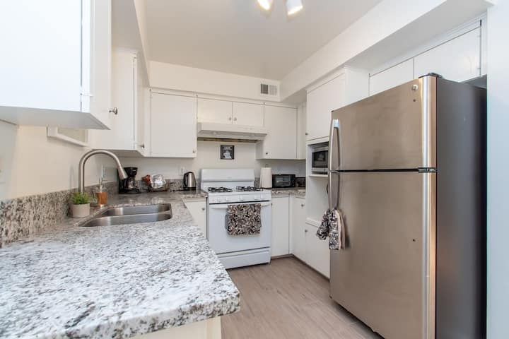 Lovely & Clean; Townhome & Patio close to Disney