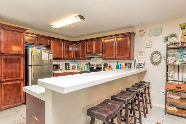 The chef in your group will appreciate the kitchen, outfitted with stainless steel appliances and ample counter space.
