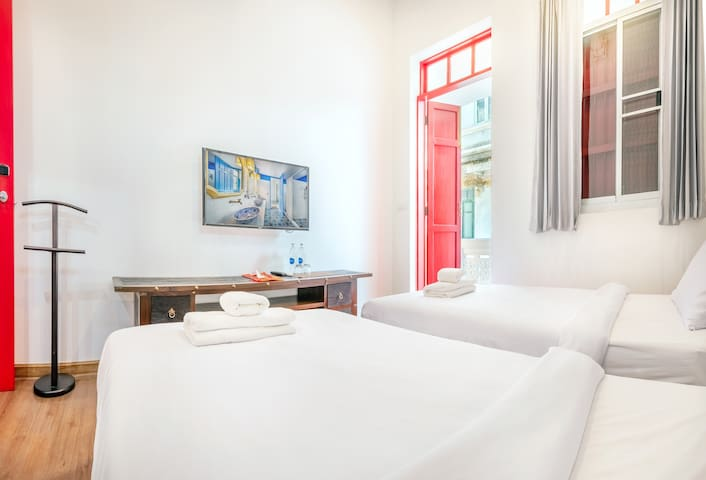 AMA Hostel Bangkok - Deluxe TwinBed Room