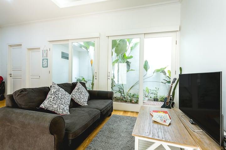 Randu House, modern living, bisa buat syuting