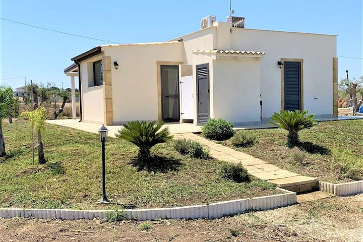Homely Villa in Noto with Terrace