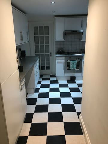 Small Double in Wandsworth - Cheap and cheerful!