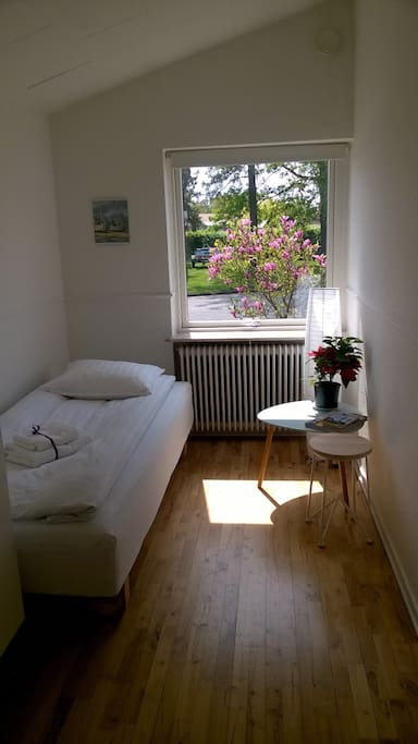 Guest room close to Messecenter/Boxen and Herning city center.