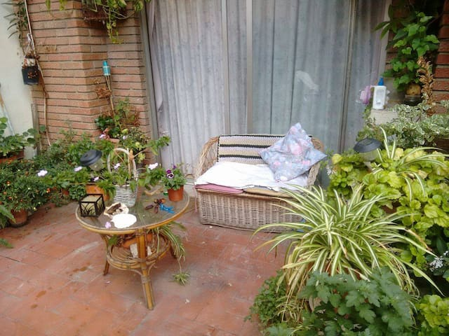 Private room with WiFi and terrace - Mislata - Apartment
