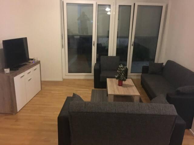 Im Herz Stuttgart  3 Zimmer Wohnung