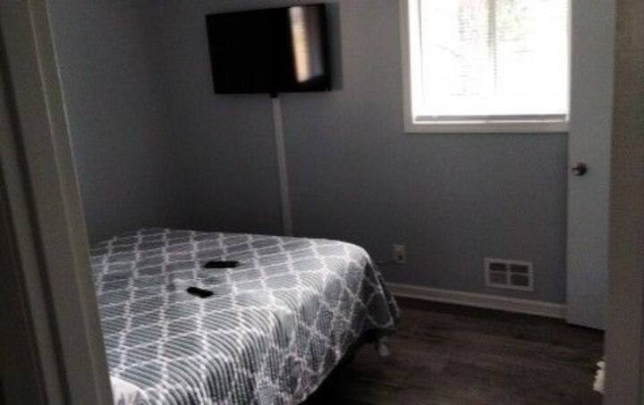 A cozy updated space minutes from downtown atlanta