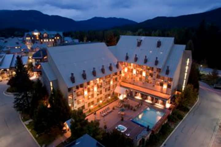 2 room SUITE w/Pool, hot tub, Gondola  FEB 21-26