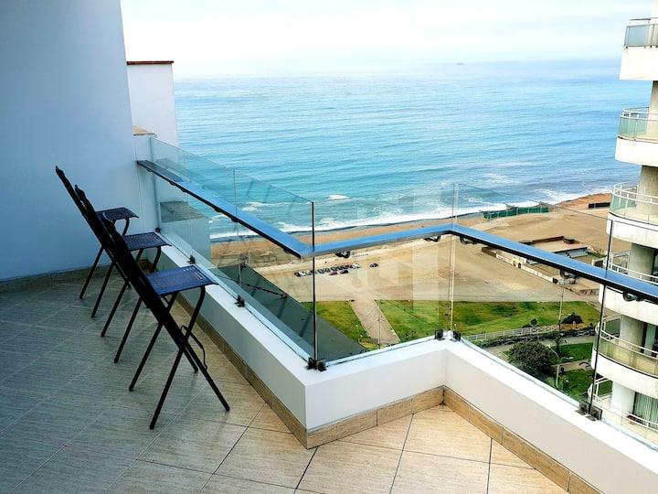 Oceanview Penthouse Duplex with terrace & jacuzzi