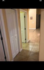 3 bedrooms(+1) , kitchen, 2 baths - Orlando